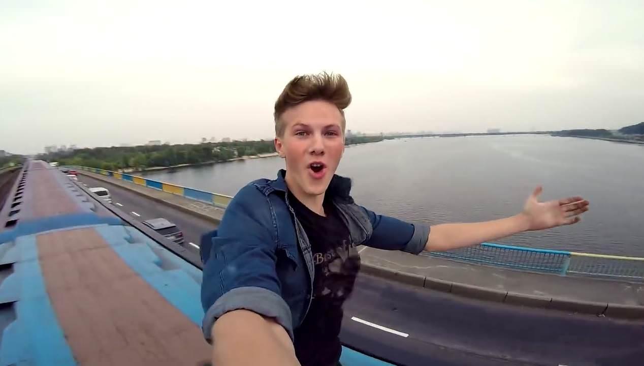 Паша Бумчик сумасшедший видеоблоггер