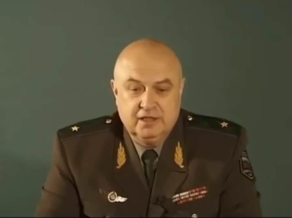 Генерал Петров (КОБ)