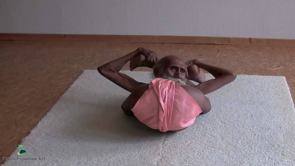 странные позы в йоге