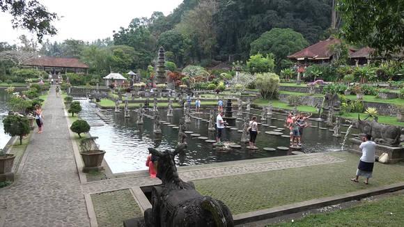 водный дворец тирта ганга бали