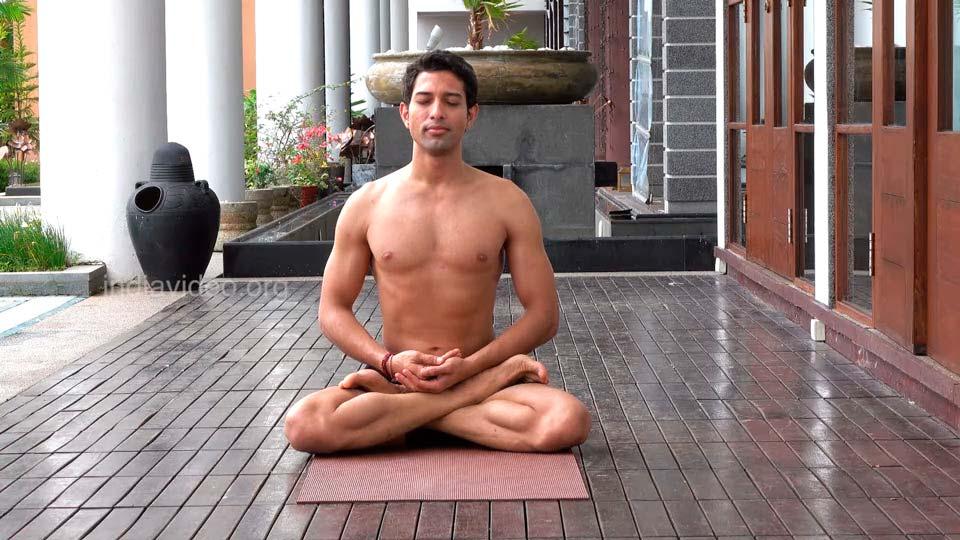 Падмасана – поза лотоса в йоге