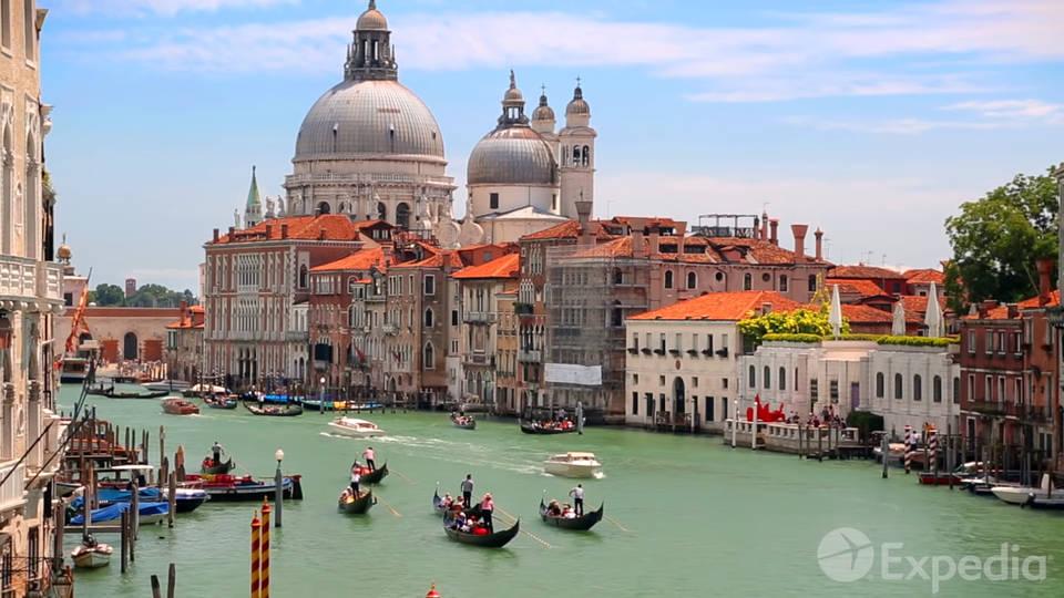 Власти Венеции решили брать с туристов налог
